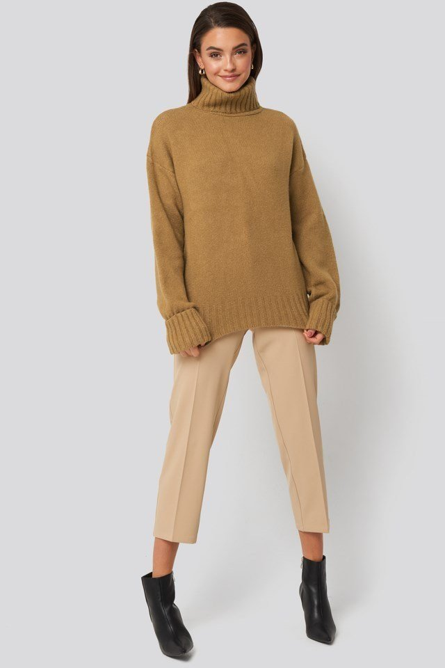 Folded Sleeve Oversize Sweater Look
