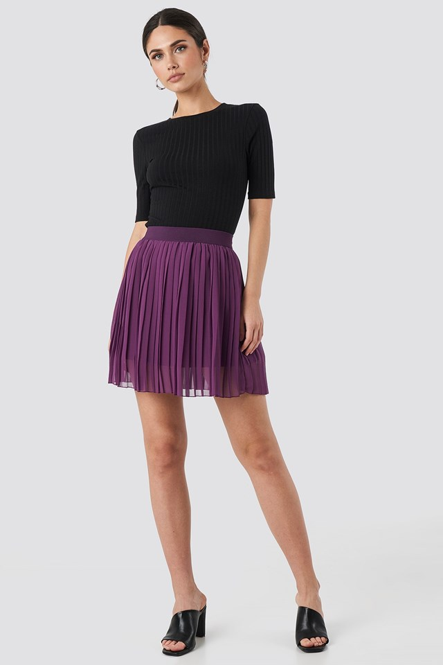 Mini Pleated Skirt Purple Outfit.