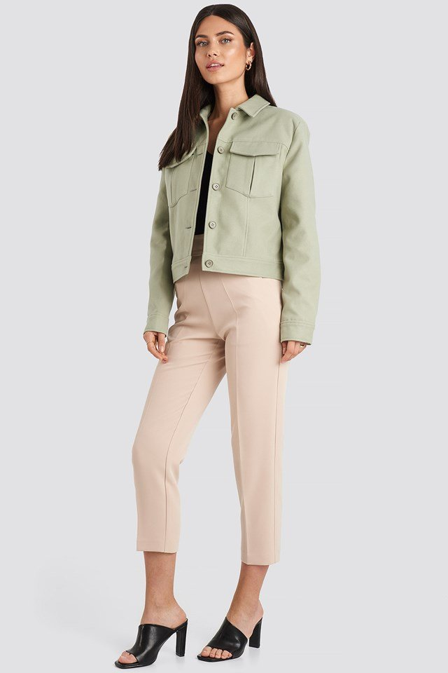 Big Pocket Short Jacket Green Outfit.