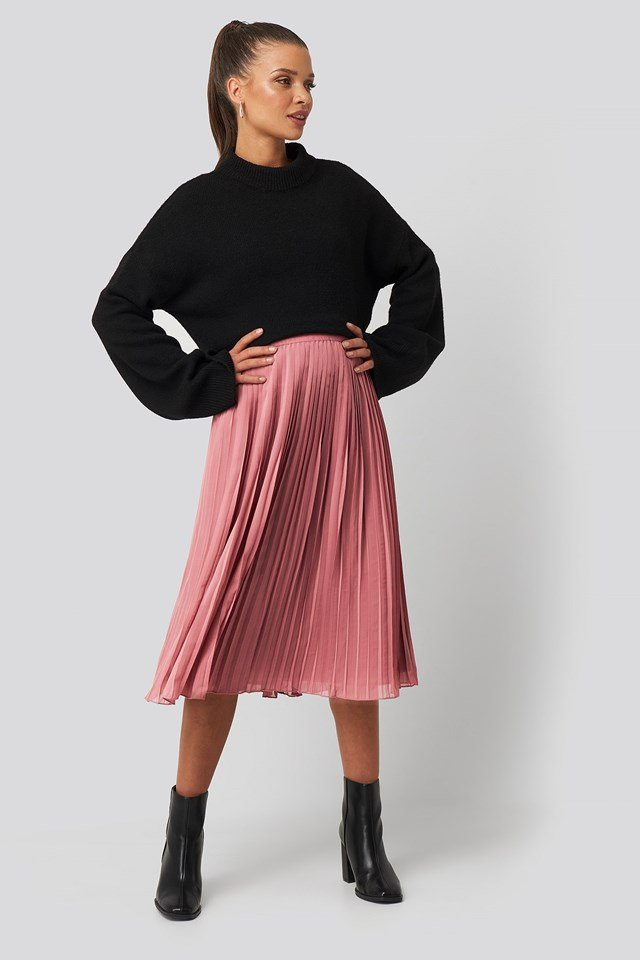 Pleated Midi Skirt Pink Outfit.