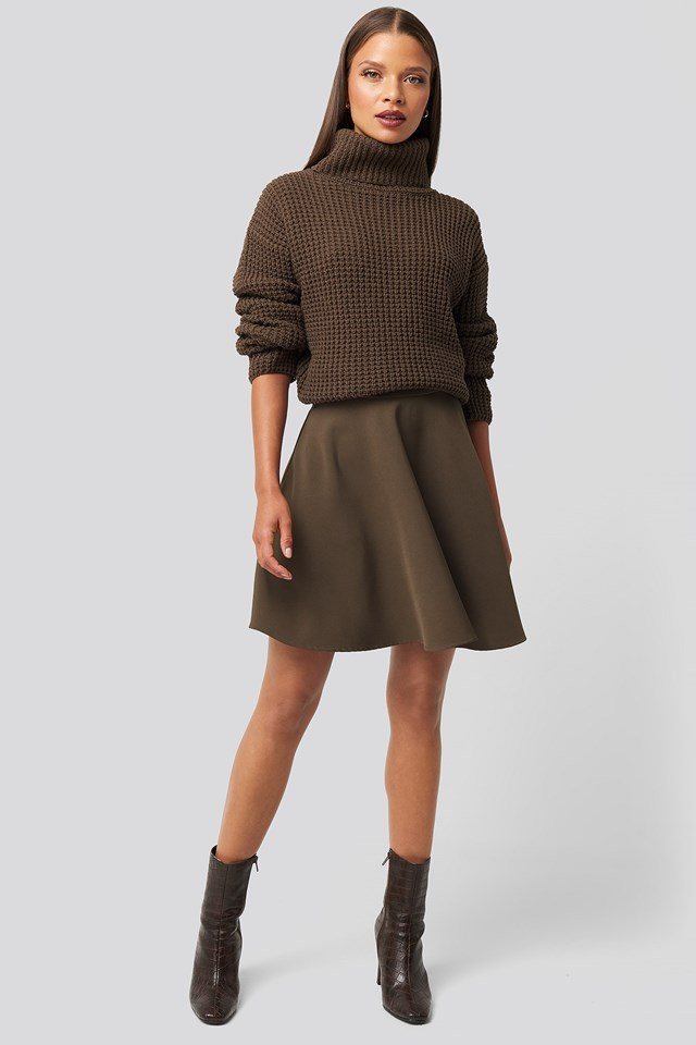 Circle Mini Skirt Brown Outfit.