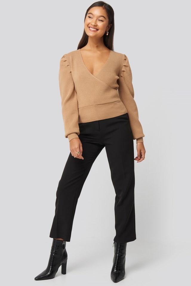 Joann Van Den Herik Puff Sleeve Overlap Sweater Outfit