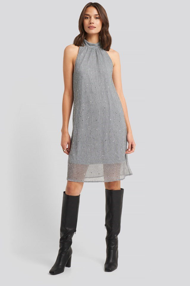 Kary Dress Grey Outfit