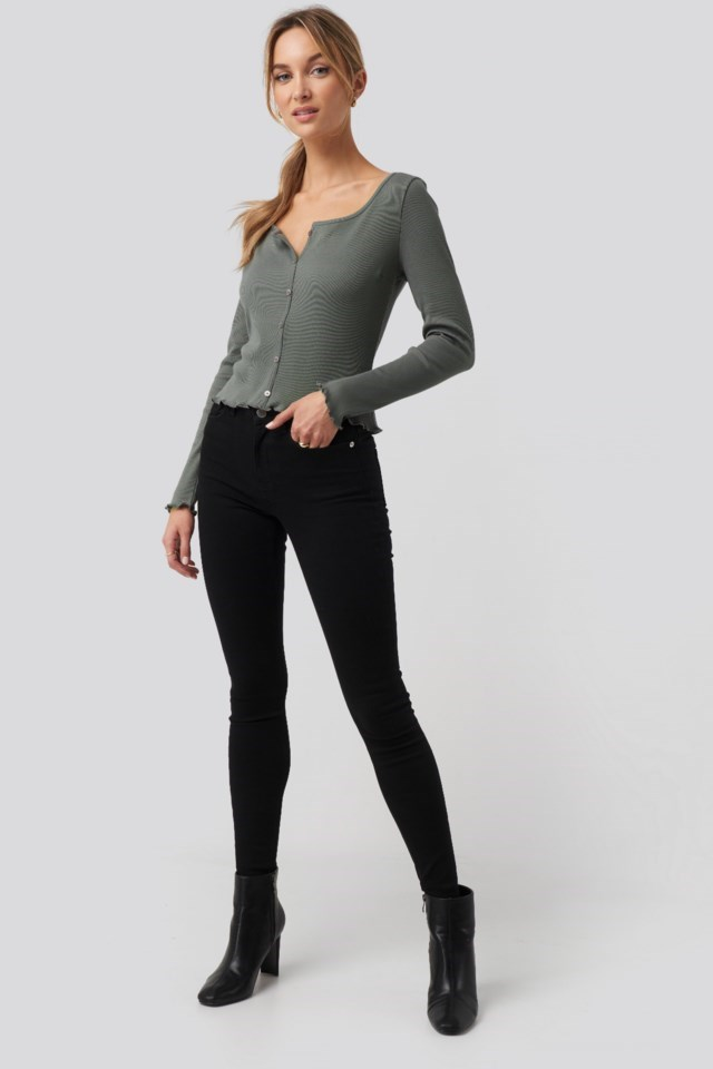 Long Sleeve Lettuce Hem Crop Top Outfit