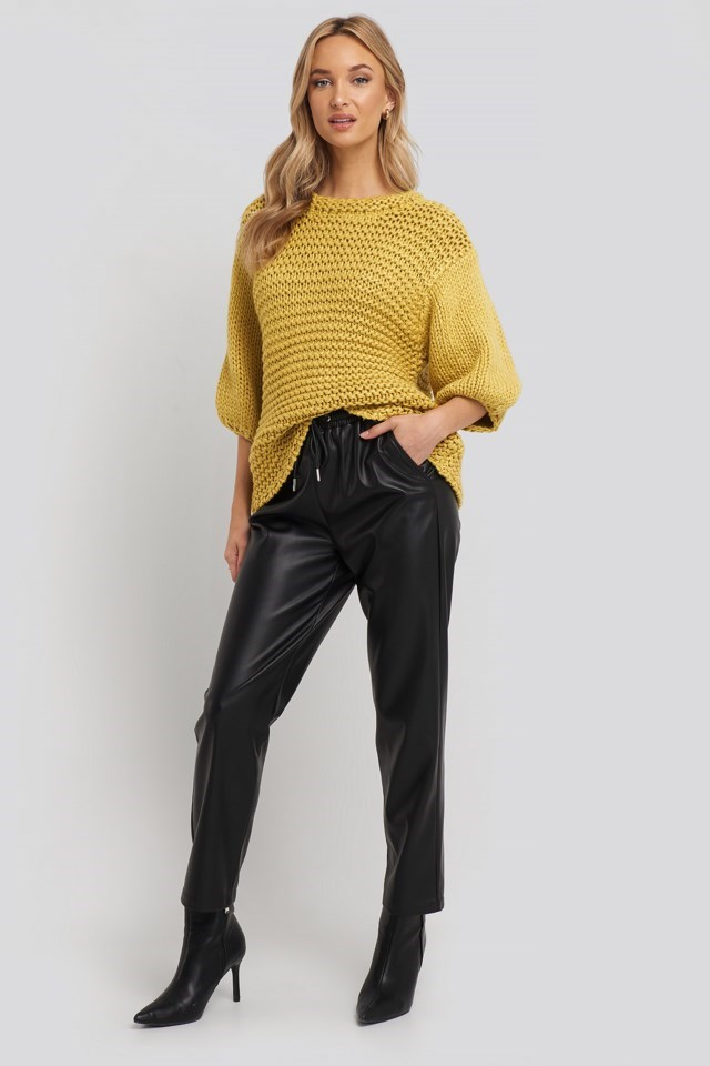 Detail Neck Short Sleeve Sweater Outfit.