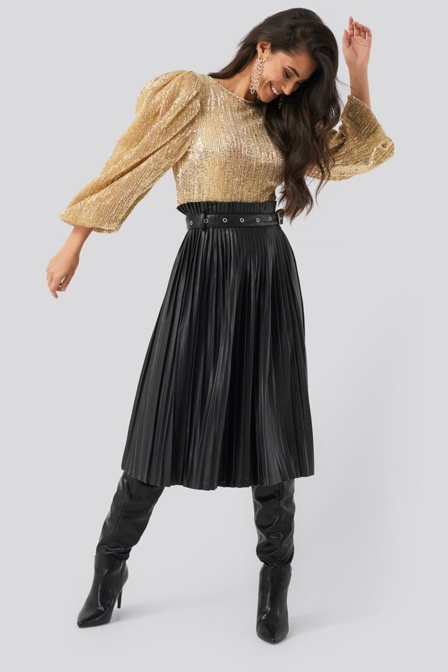 Puff Sleeeve Sequin Blouse Gold Outfit