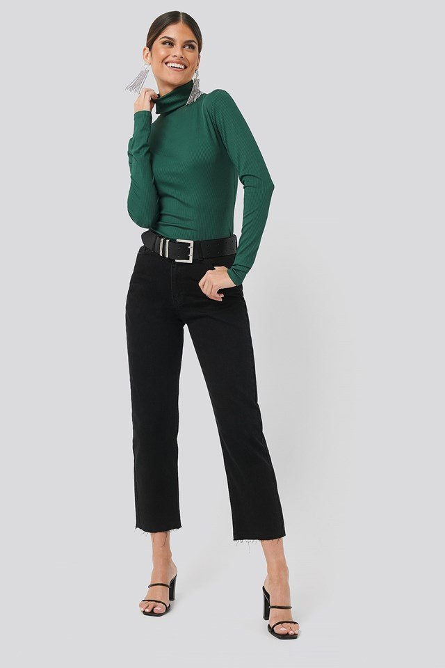 Straight Leg Jeans Black Outfit