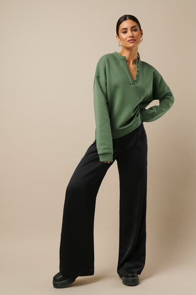 Button Sweatshirt Green Outfit