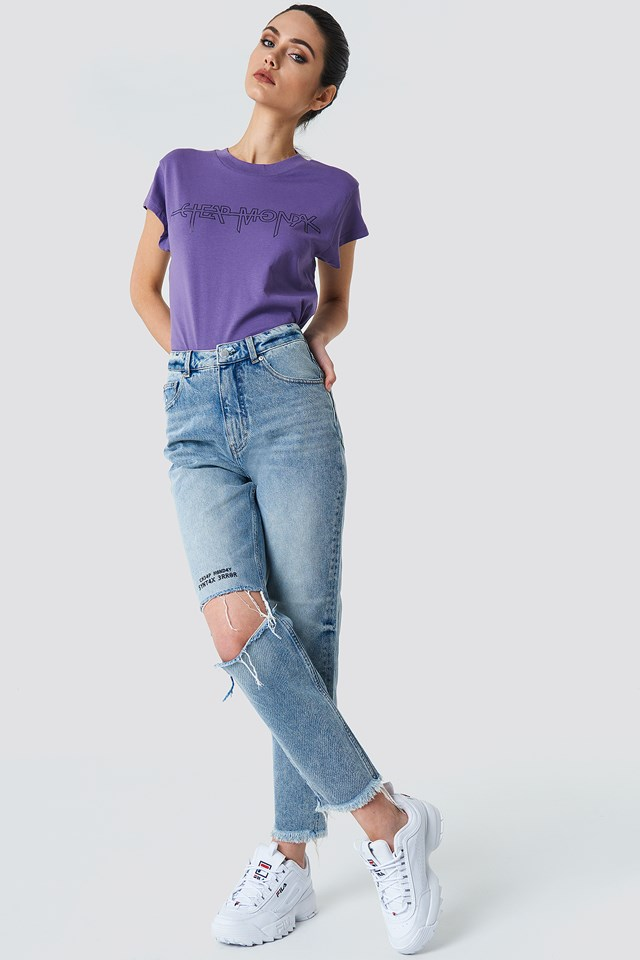 Destroyed Jeans Casual Outfit