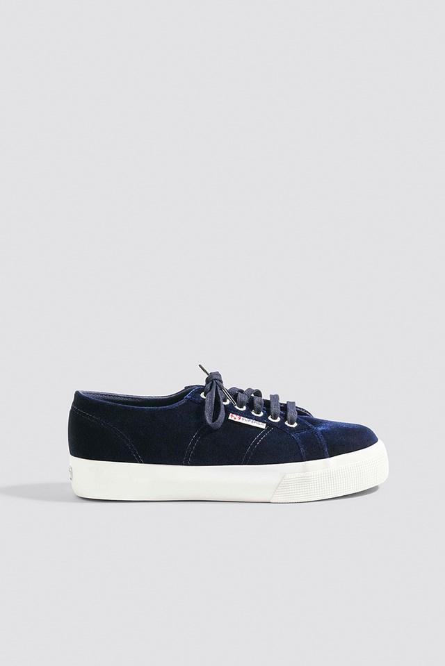 low priced 374c0 c73ee Schuhe   Hohe und flache Schuhe für Frauen   na-kd.com