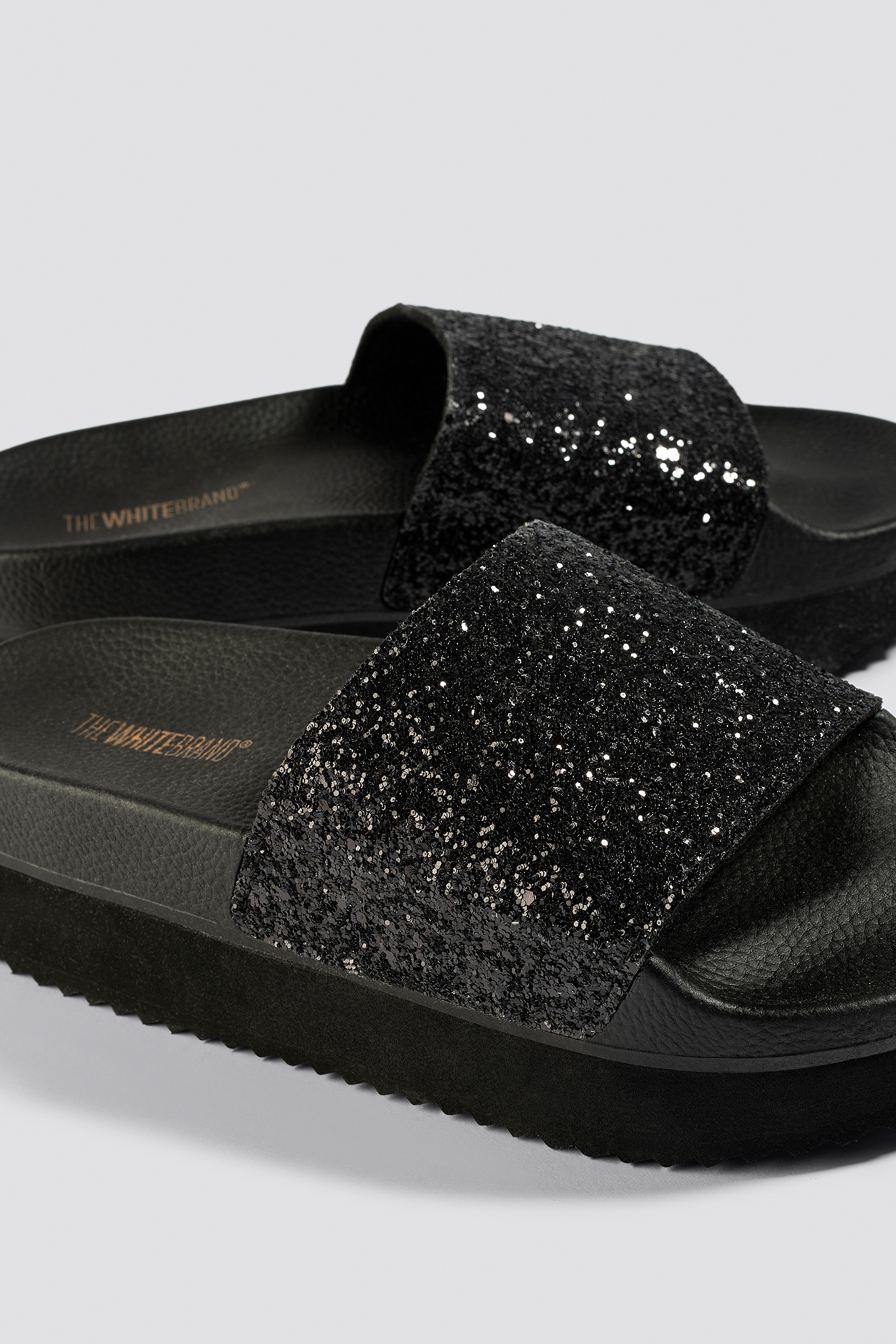 THE WHITE BRAND High Glitter Slippers