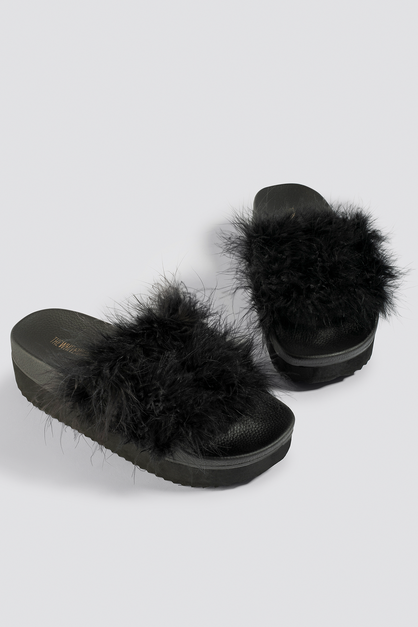 91de9525e7d8 THE WHITE BRAND HIGH FEATHERS SLIPPERS - BLACK