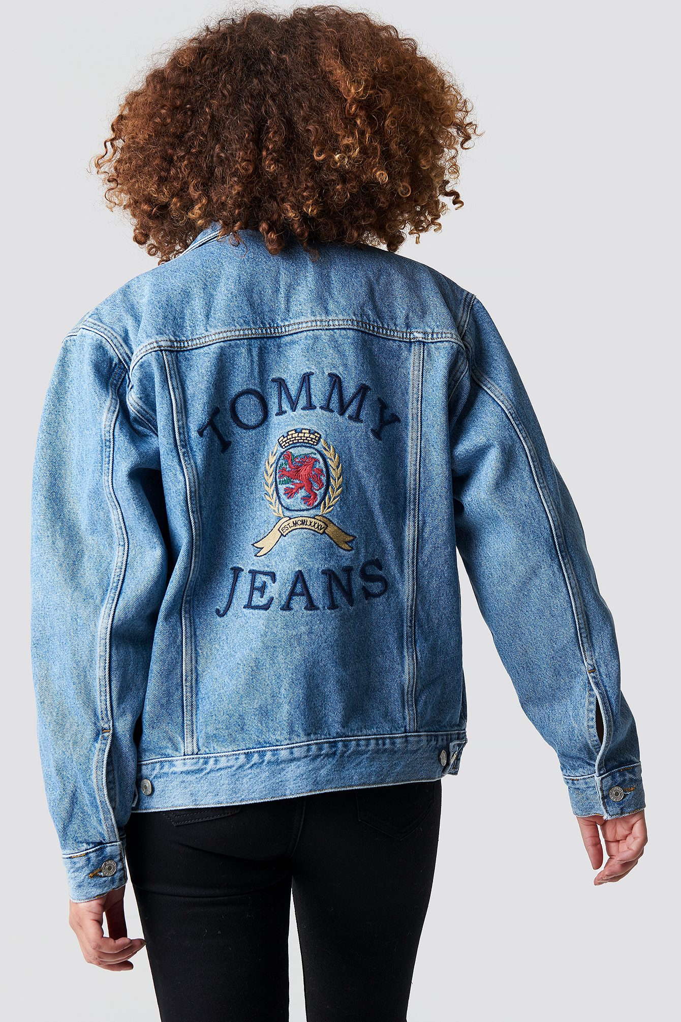 Crest Flag Trucker Denim Jacket NA-KD.COM