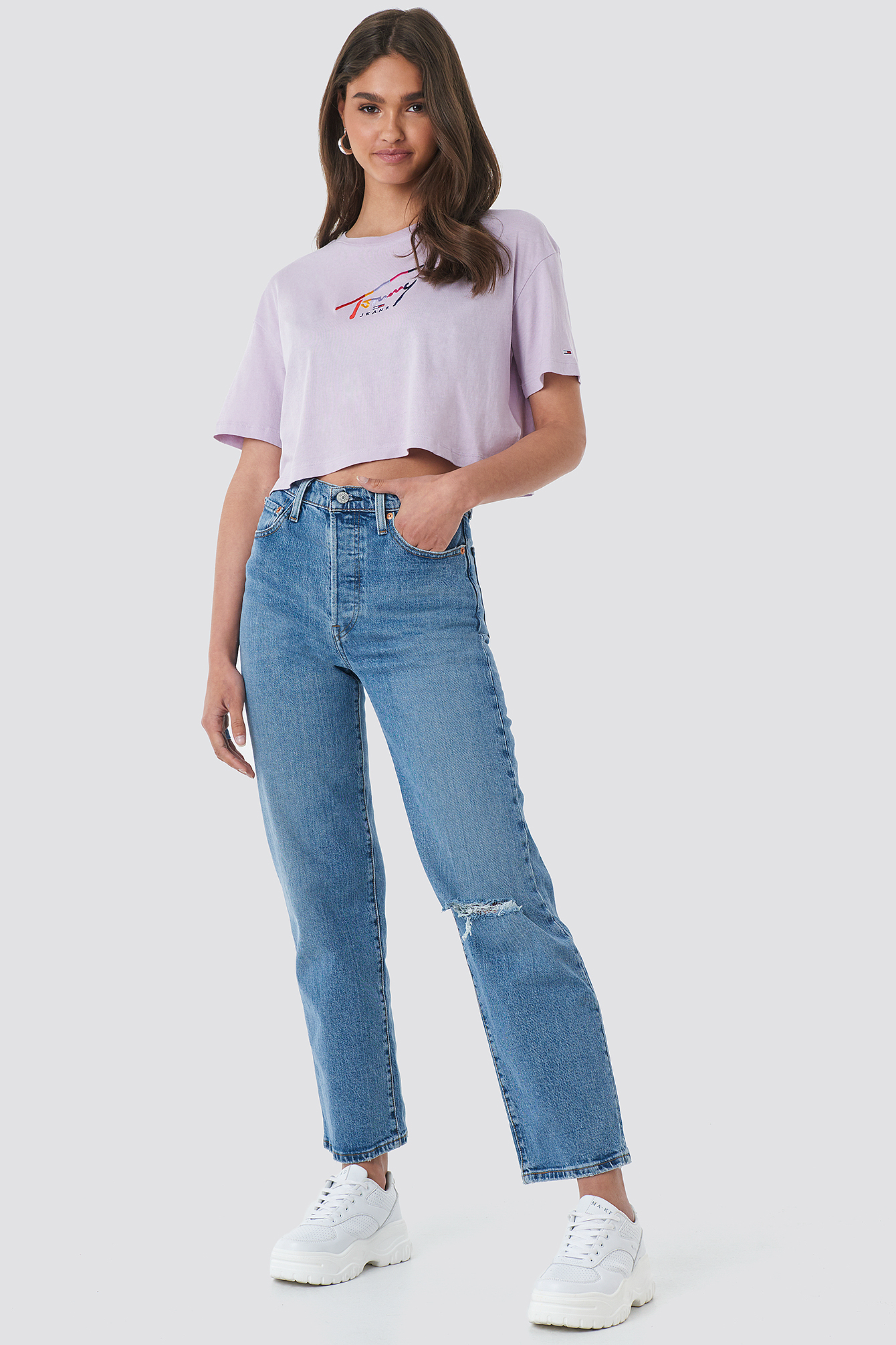 Cropped Tommy Script Tee NA-KD.COM