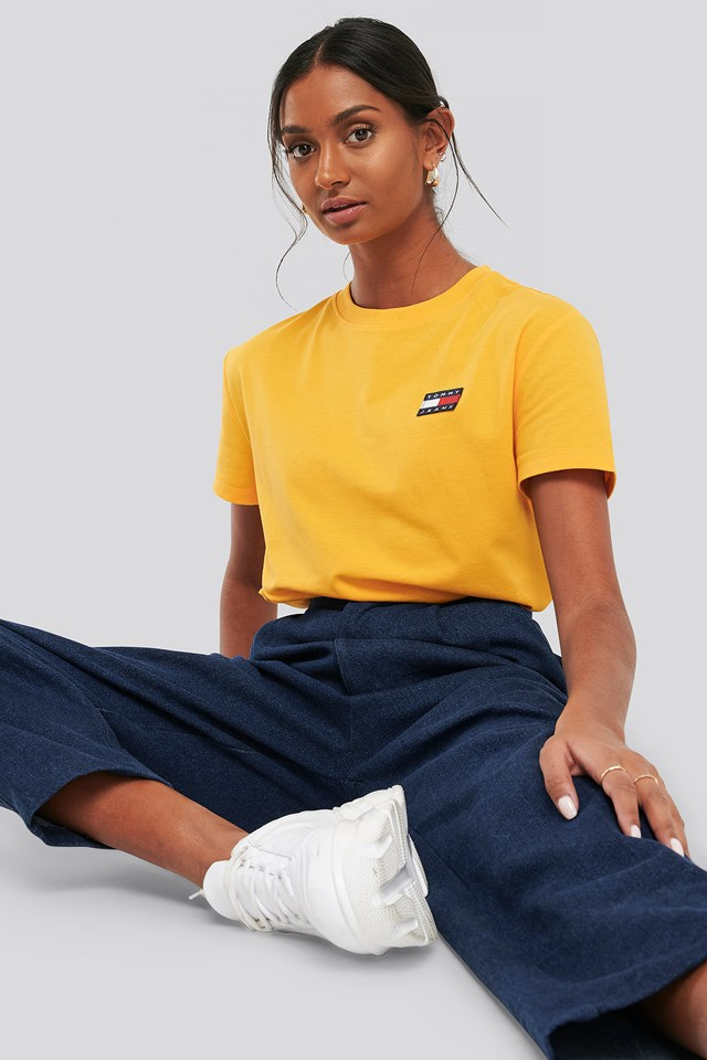 Tommy Jeans Badge Tee Yellow
