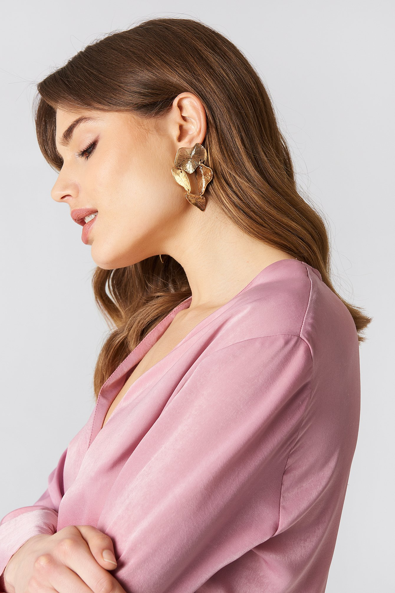 tranloev -  Connected Earring - Gold