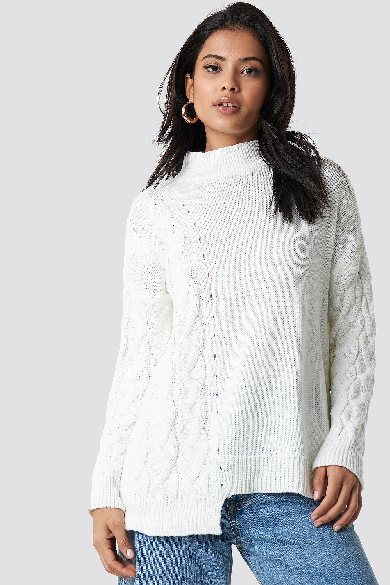trendyol -  Asymmetric Detailed Knitted Sweater - White