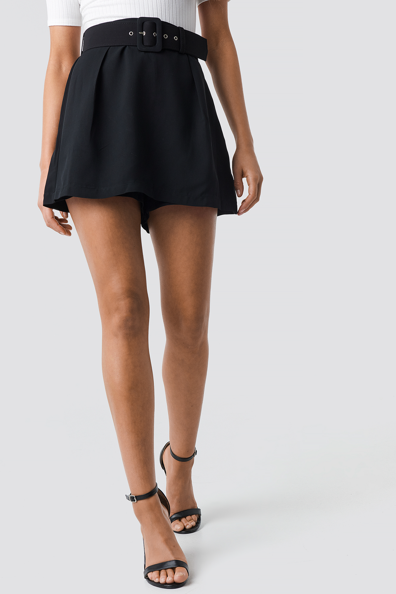 Belt Detailed Mini Skirt NA-KD.COM