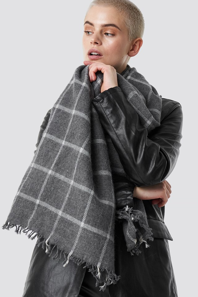 Big Knitted Scarf Gray