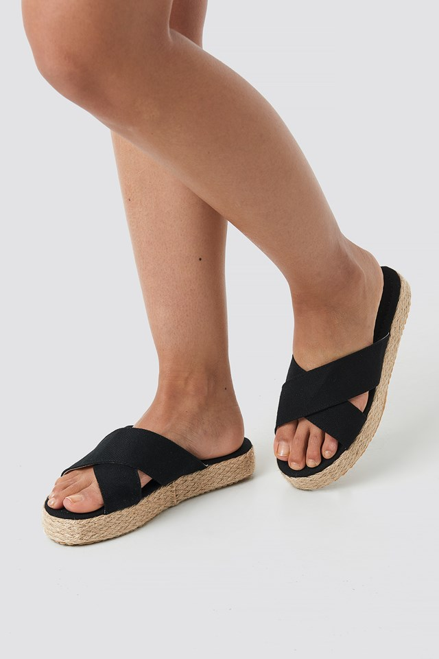 Bora Slippers Black