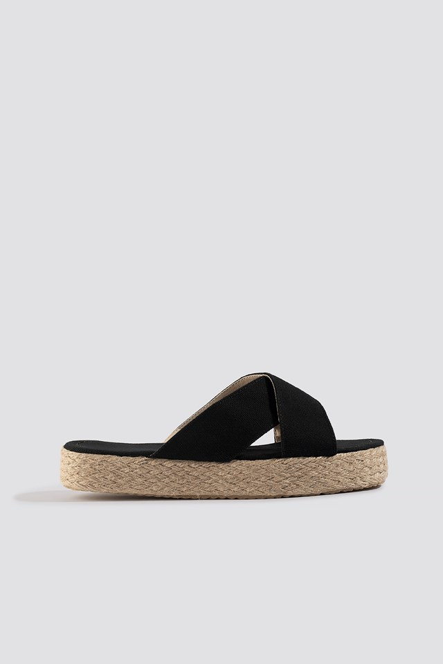 Bora Slippers Black