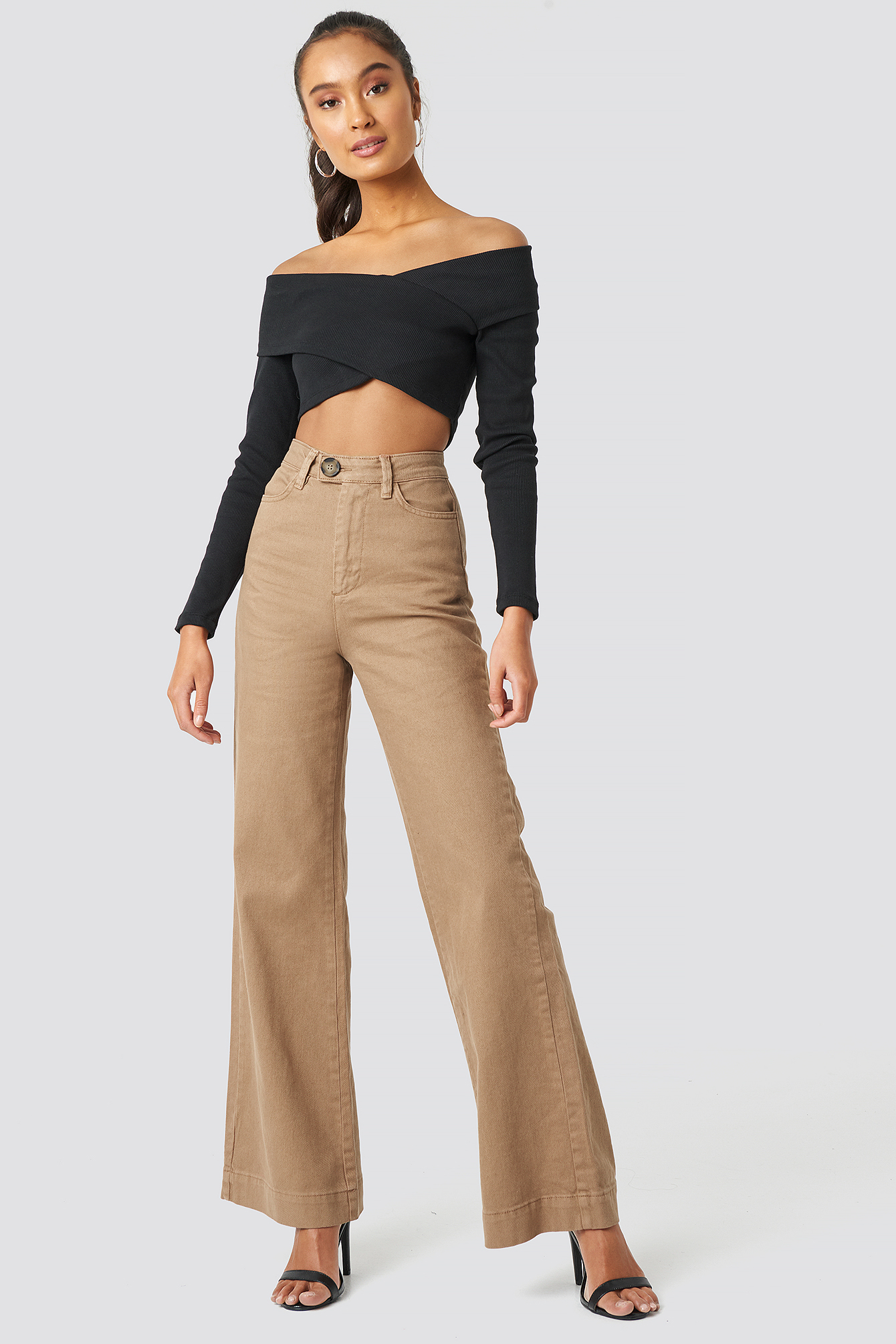 Button Detailed High Waist Flare Jeans NA-KD.COM