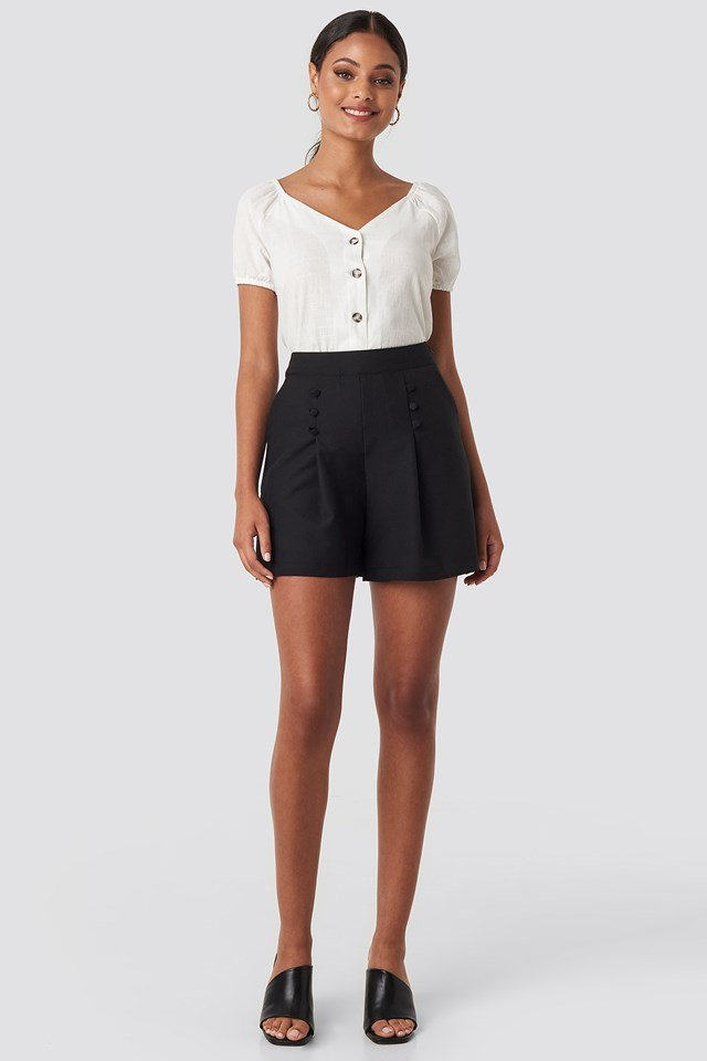 Button Detailed Shorts Black