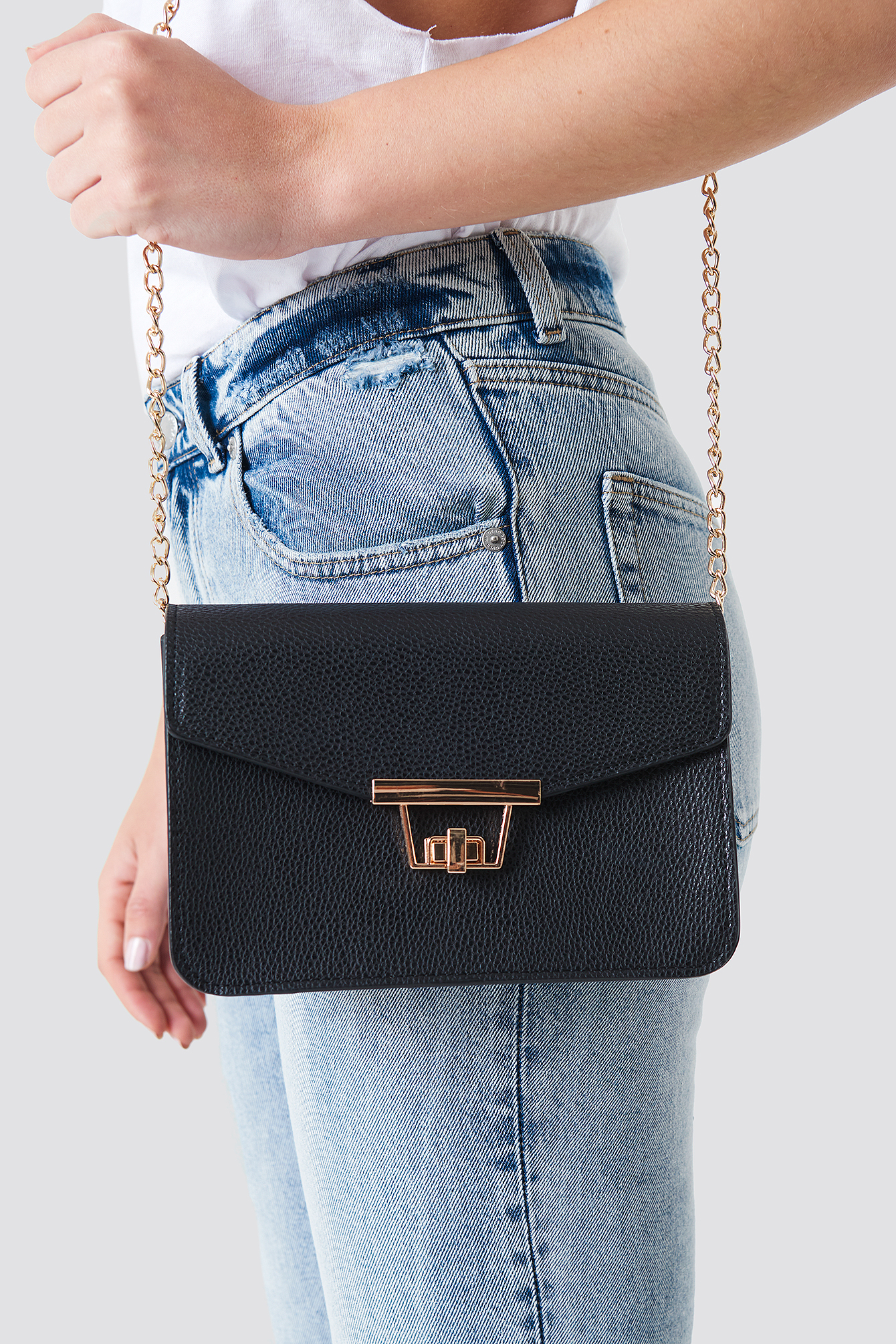 Chain Detal Shoulder Bag NA-KD.COM