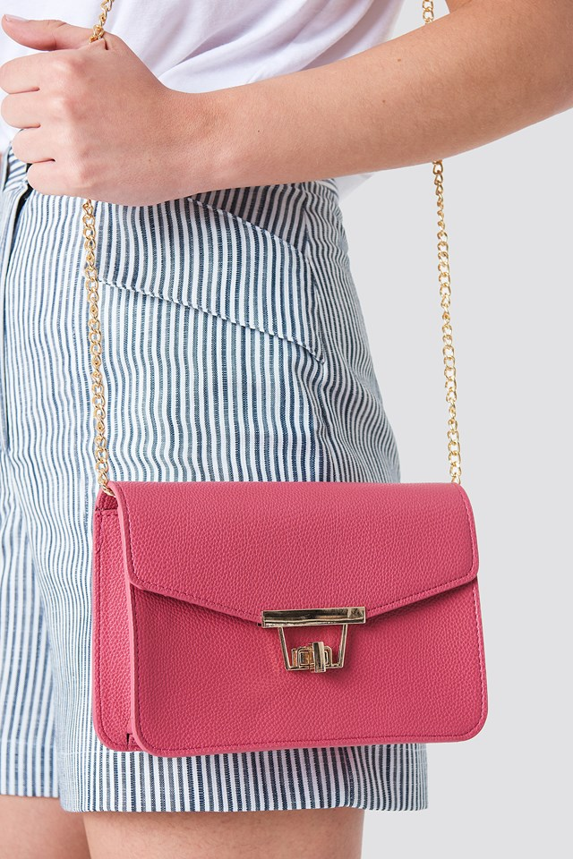 Chain Detal Shoulder Bag Fuchsia