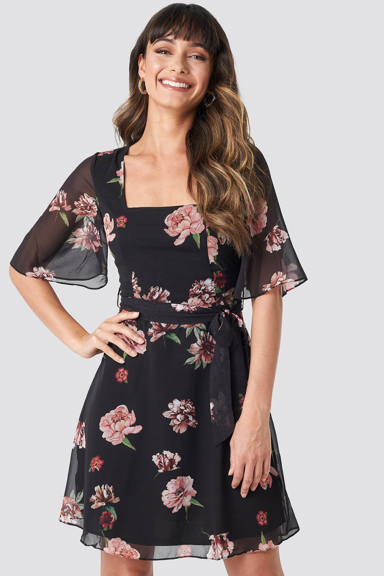 trendyol -  Cleo Flower Mini Dress - Black