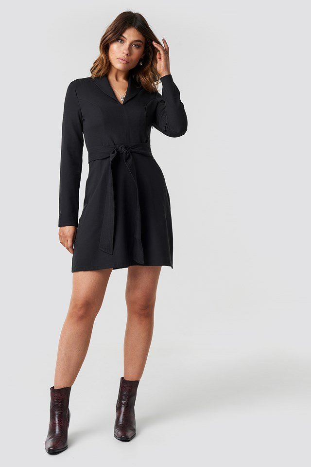 Collar Belt Detailed Dress Black