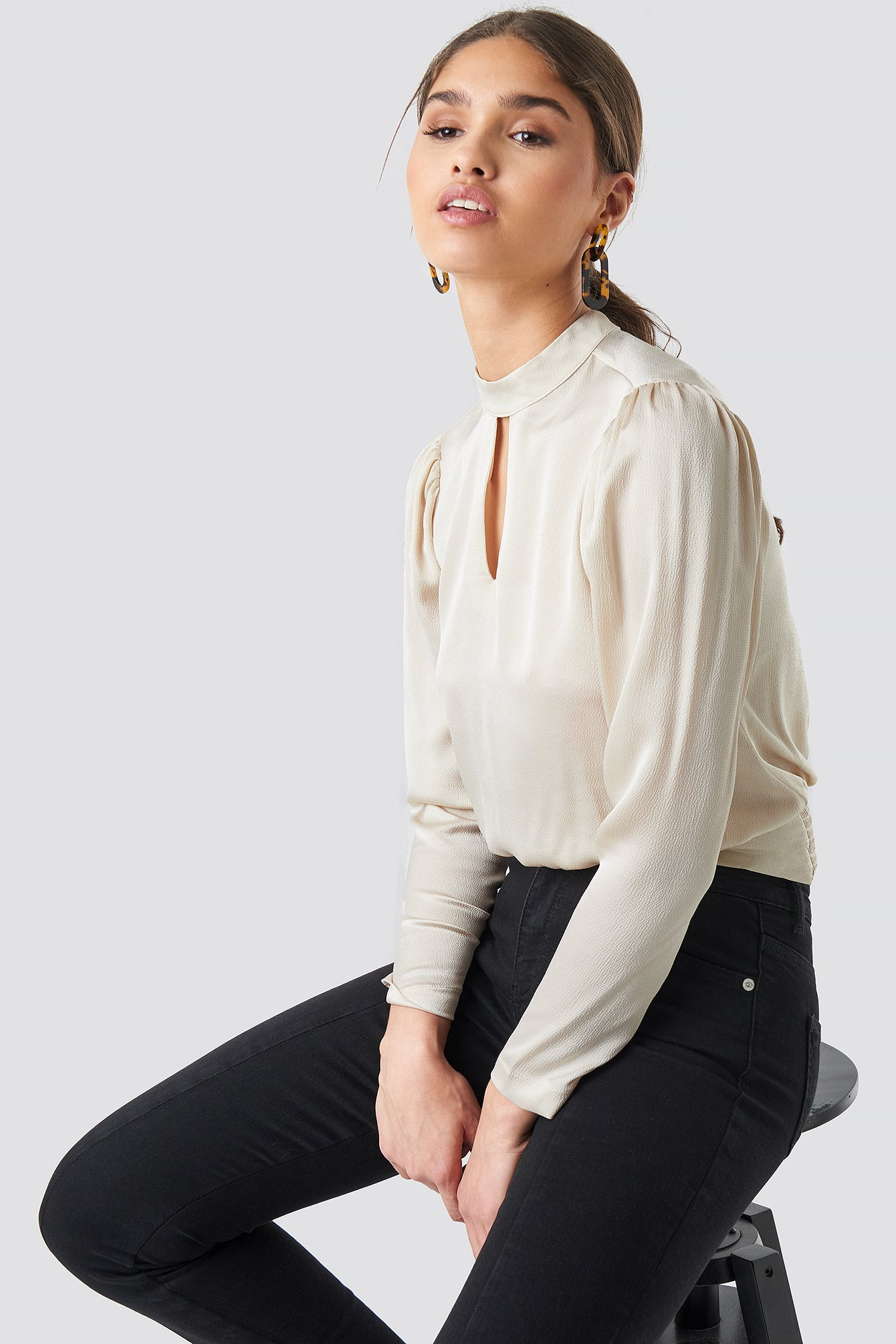 Collar Detailed Satin Blouse NA-KD.COM