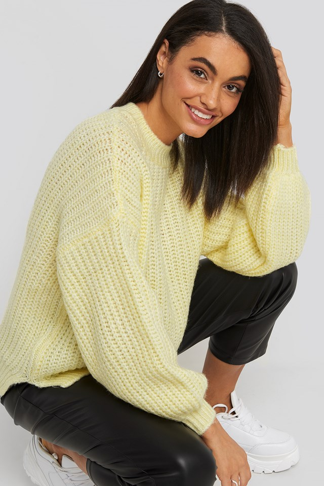 Crew Neck Knitted Sweater Yellow