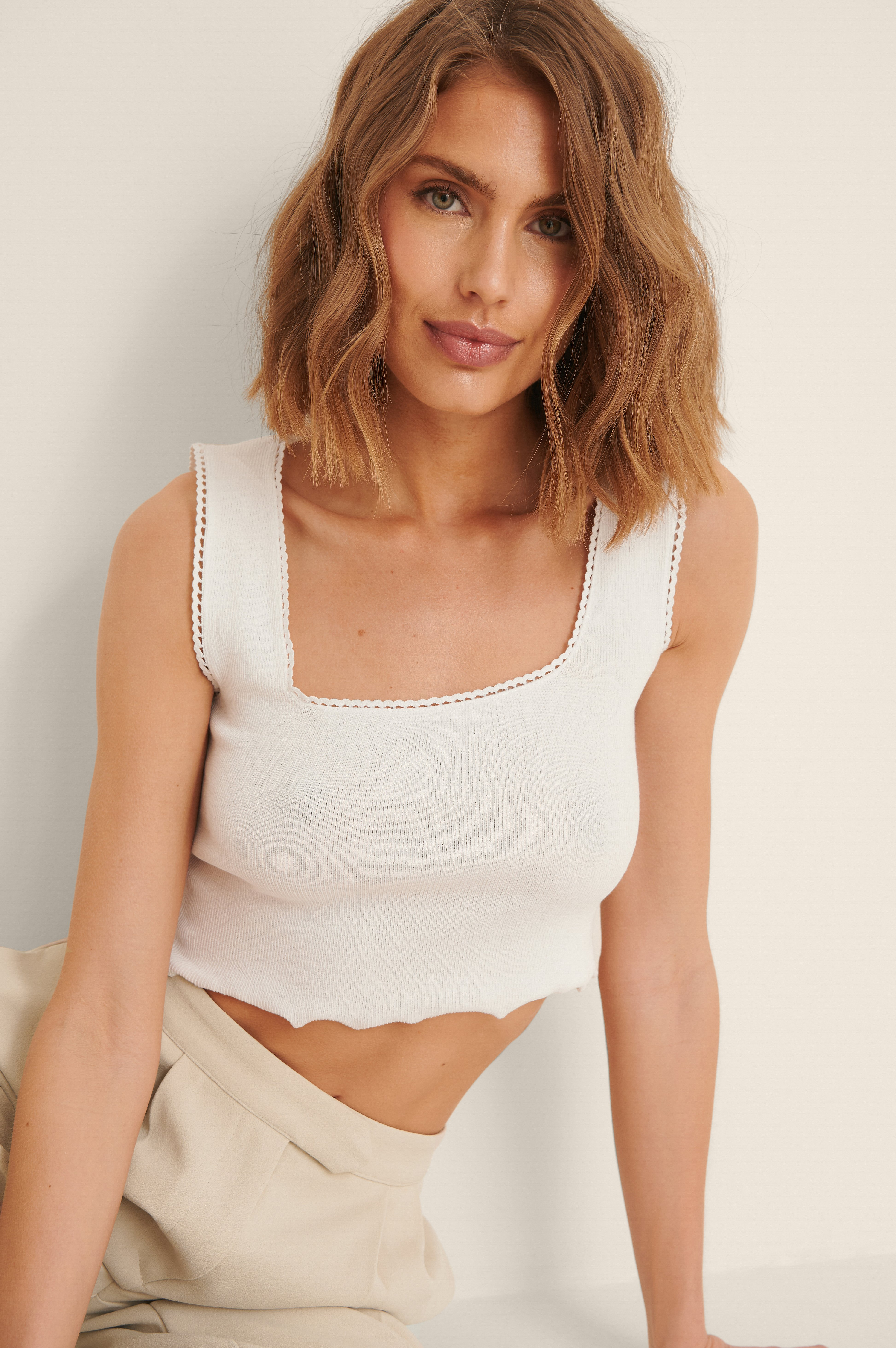 Trendyol Cropped Top - White