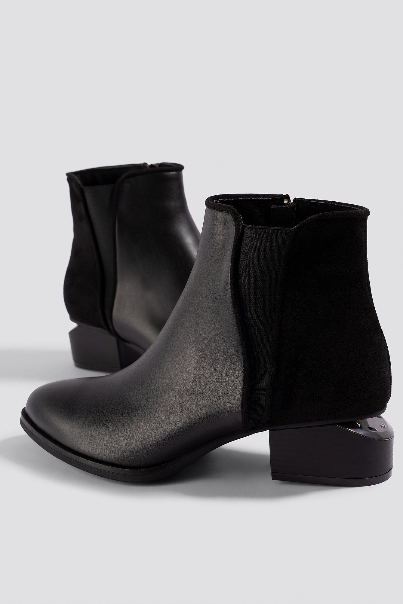 Cut Out Heel Boots NA-KD.COM