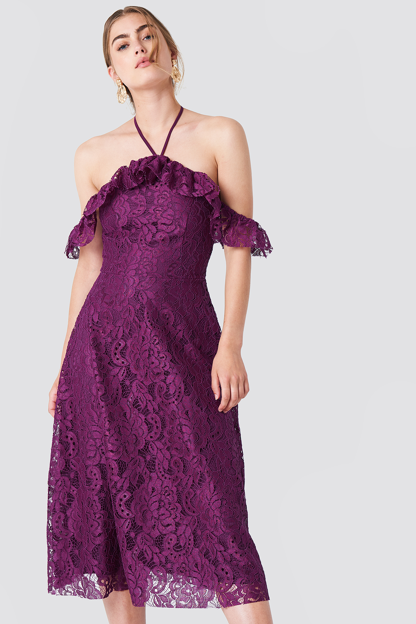 Halter Lace Midi Dress NA-KD.COM