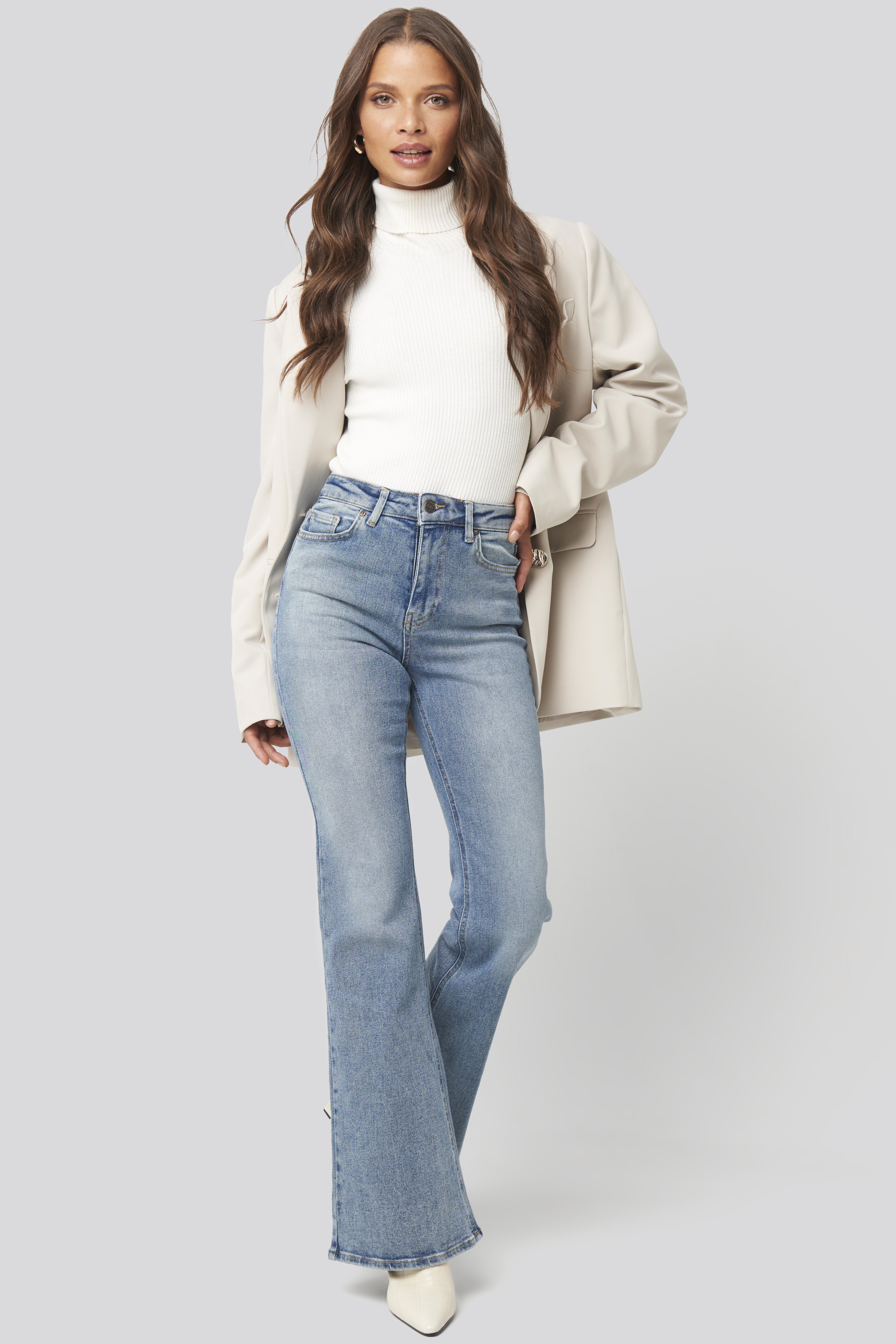 trendyol -  High Waist Flare Jeans - Blue