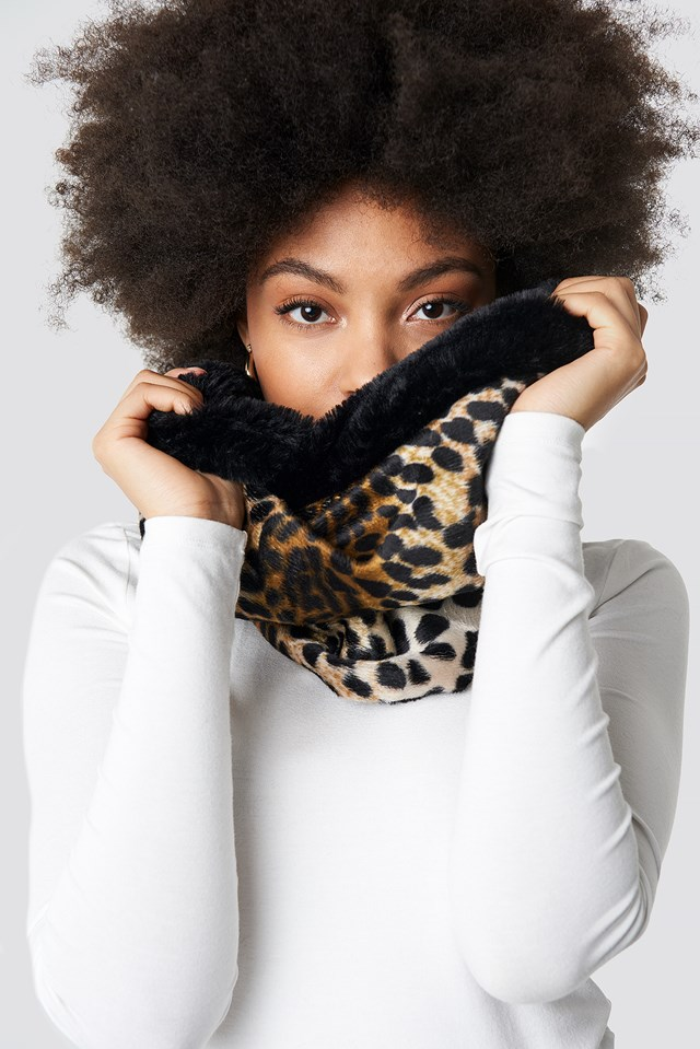 Leopard Patterned Neck Collar Scarf Black