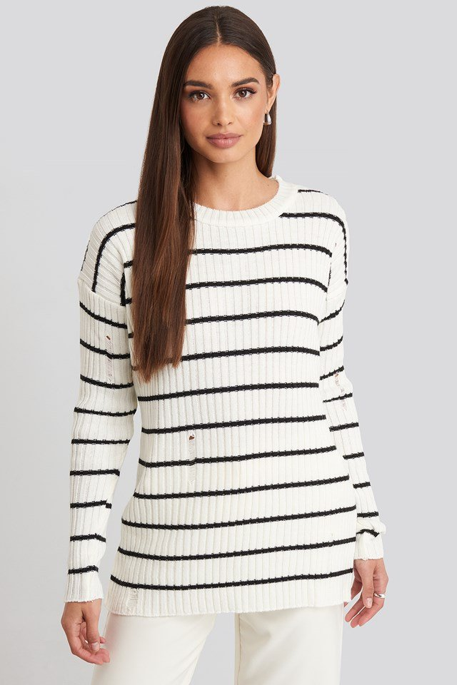 Low Neck Knitted Sweater Ecru