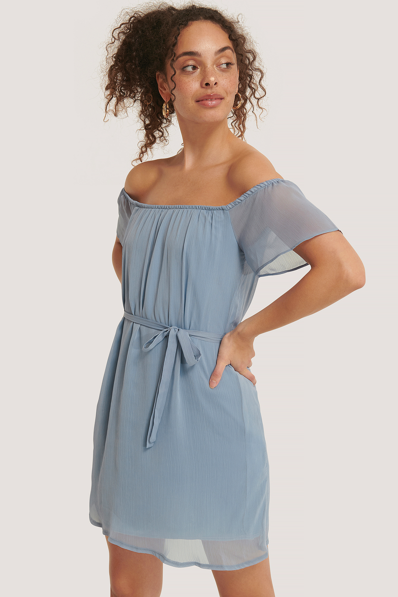 trendyol -  Off-Shoulder-Minikleid Mit Gürtel - Blue