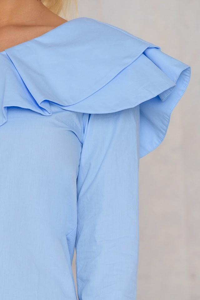 Top z falbanką na jedno ramię Blue