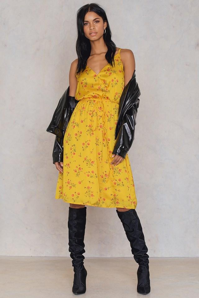 Sukienka w kwiaty zakładana Yellow