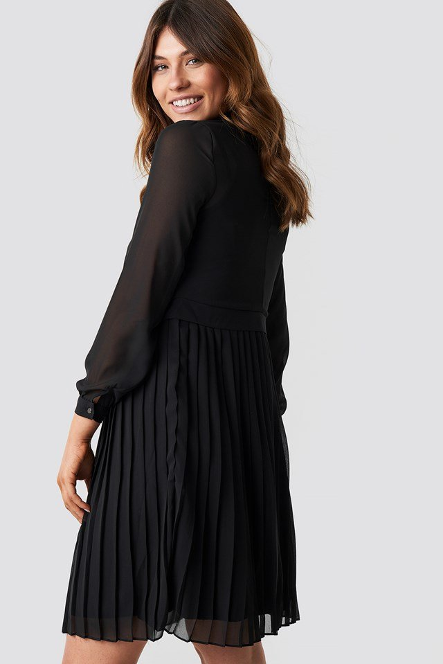 Pleated Midi Dress Black