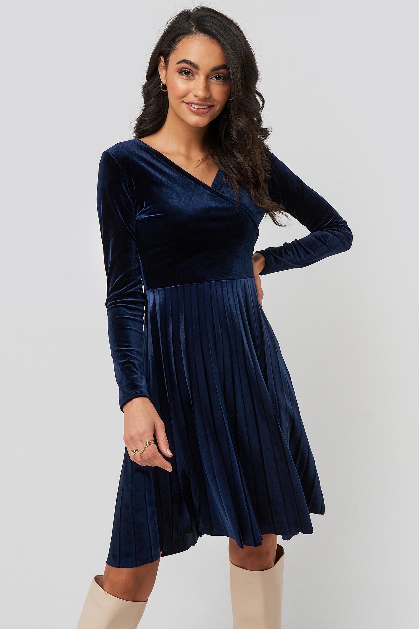 trendyol -  Pleated Velvet Mini Dress - Blue