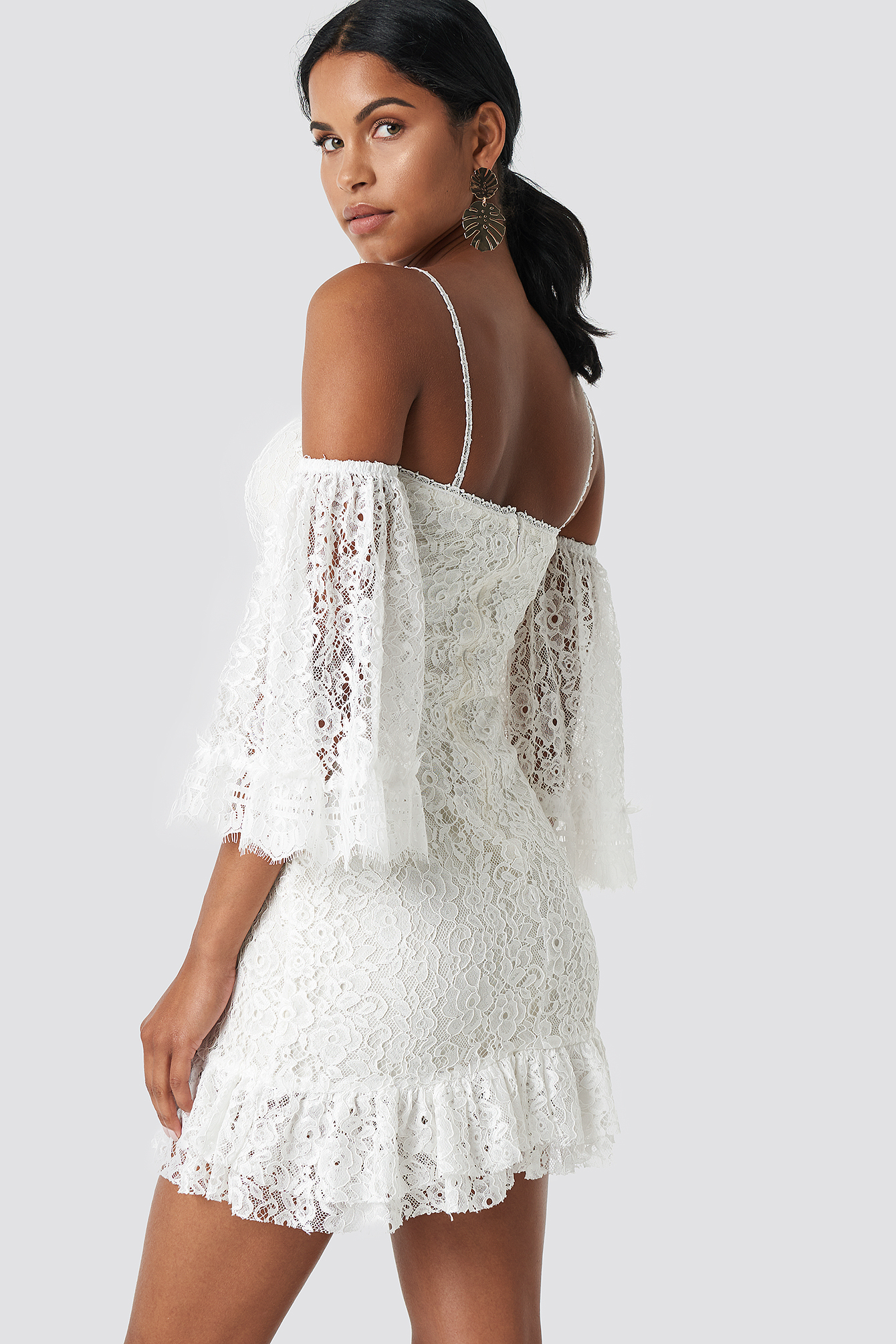 Ruffle Bottom Lace Dress NA-KD.COM