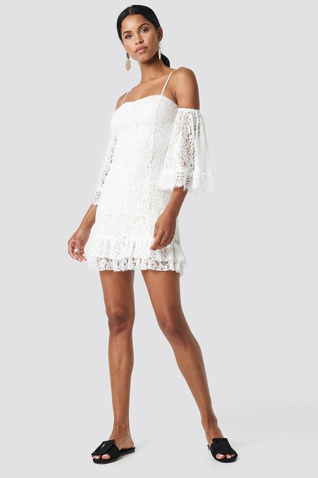 Ruffle Bottom Lace Dress Ecru