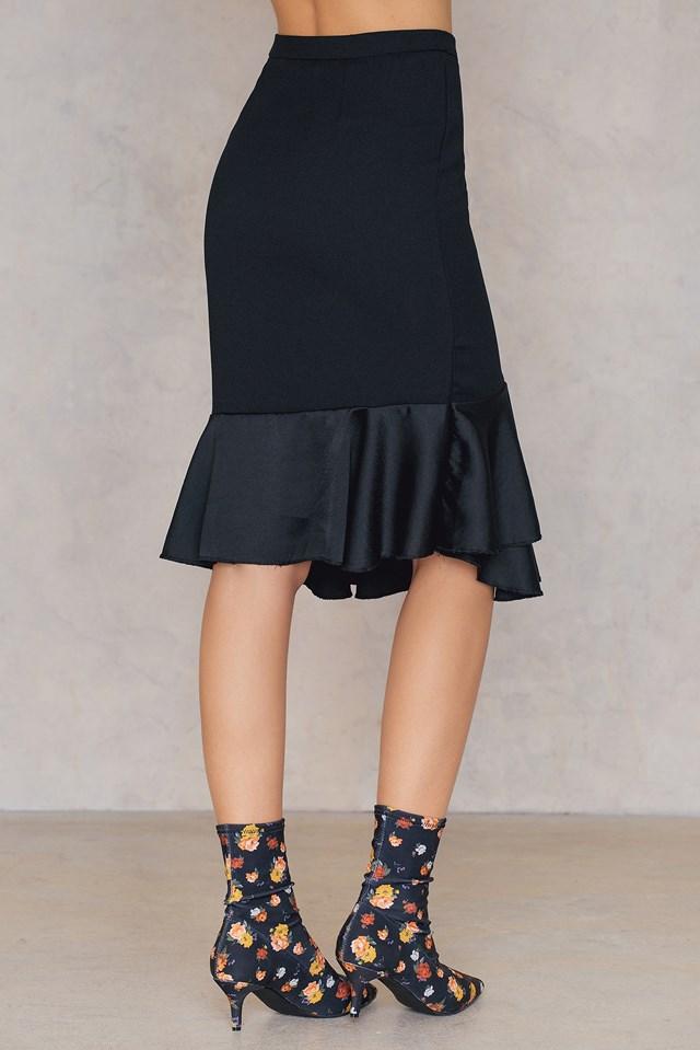 Ruffle Bottom Skirt Black