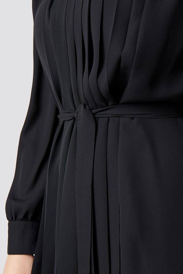 Ruffle Detailed Mini Dress Black