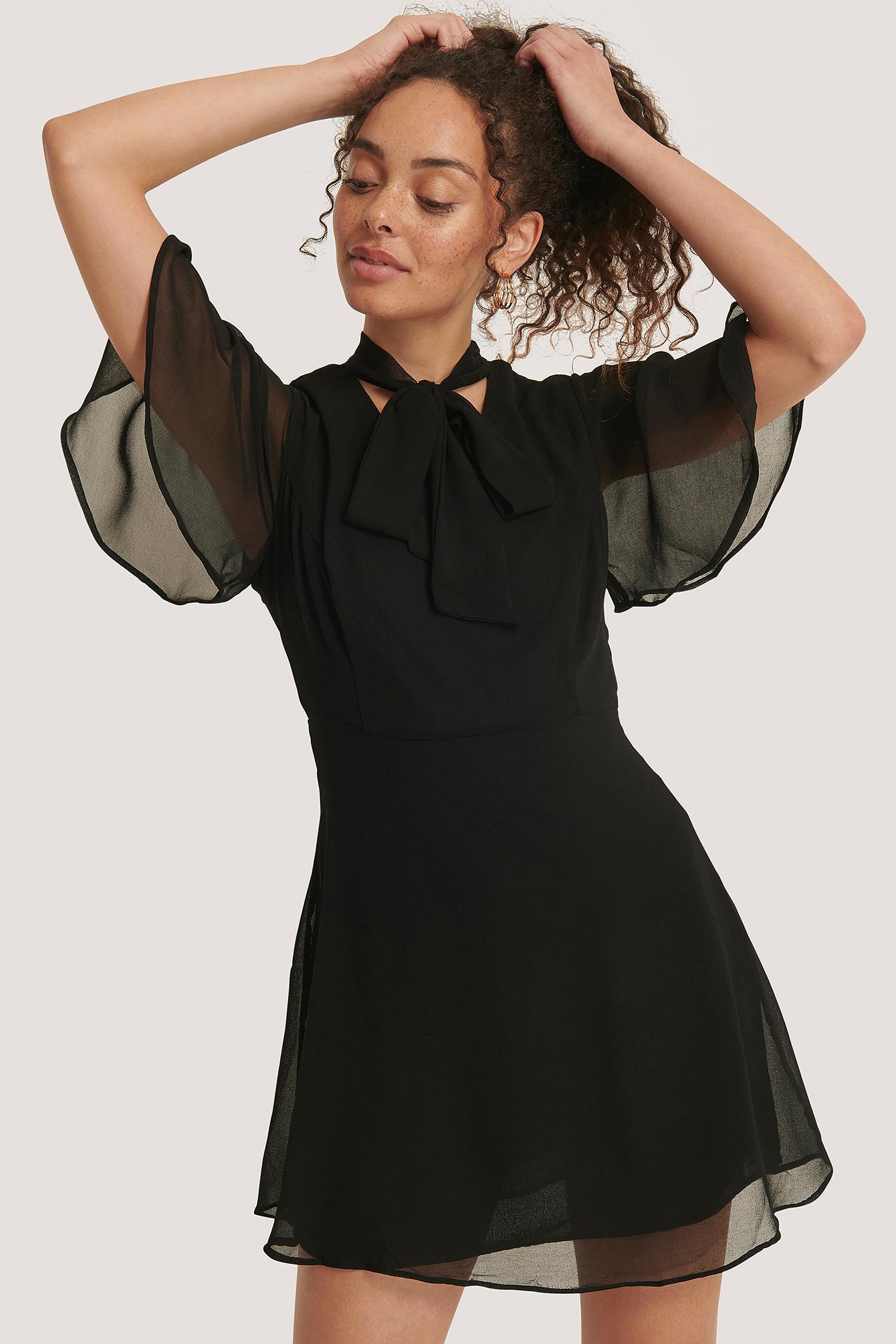 trendyol -  Kleid Mit Geknotetem Nacken - Black