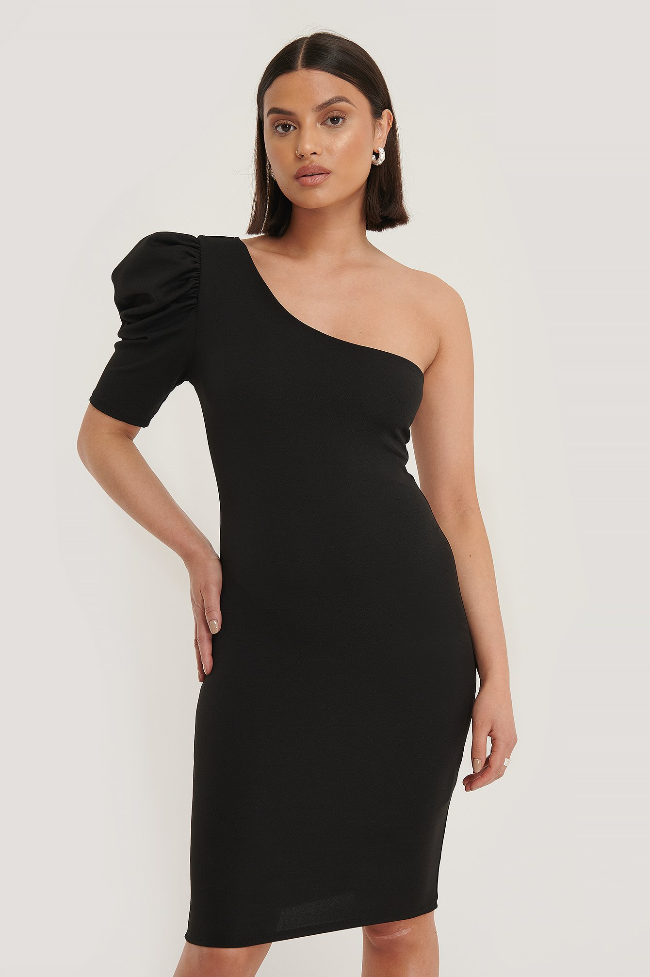 Trendyol One Shoulder Minikjole - Black